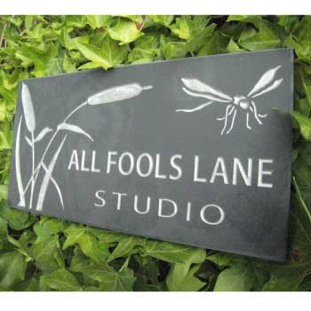 House name slate sign with design